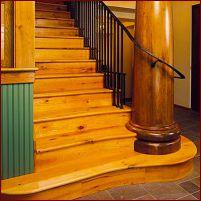 Выбор древесины для изготовления деревянных лестниц на заказ