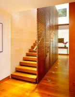 Разнообразие деревянных лестниц на заказ